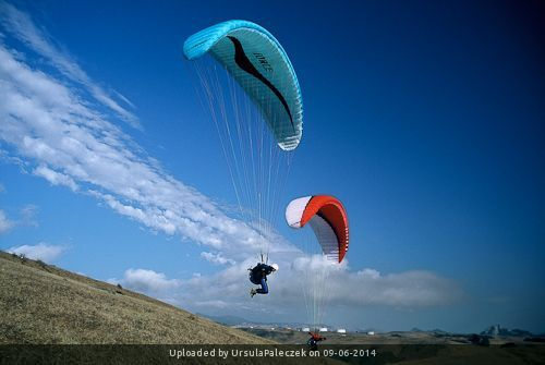 _Slope soaring (photo copyright www.iparaglide.com)