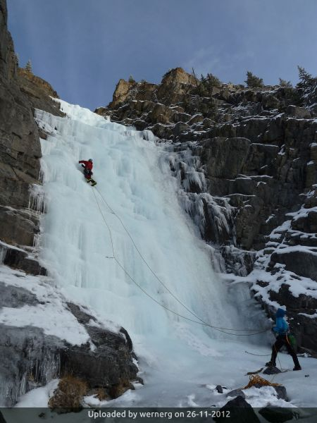_Climbing Meltout WI3-4, Icefields Parkway