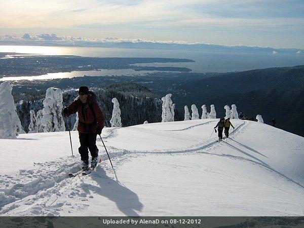 _Skinning above Howe Sound
